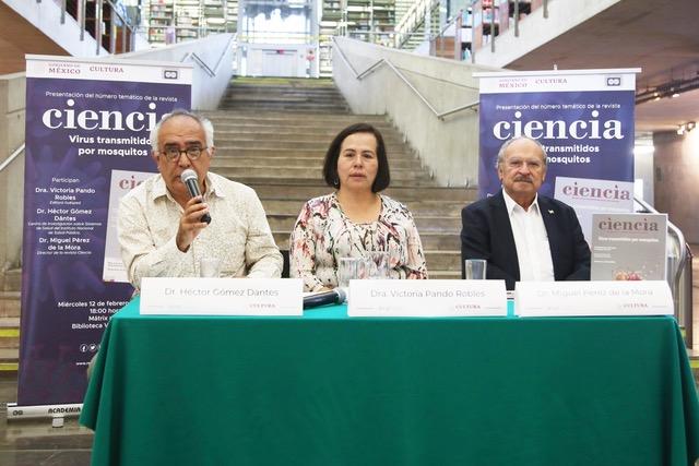 Héctor Gómez Dantes, Victoria Pando Robles y Miguel Pérez de la Mora, durante la presentación del número más reciente de este año de la revista Ciencia.