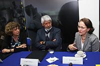 La secretaria de Educación, Ciencia, Tecnología e Innovación de la Ciudad de México, Rosaura Ruiz Gutiérrez acompañada de  José Luis Morán y Susana Lizano, presidente y vicepresidenta de la Academia Mexicana de Ciencias.