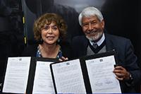 La secretaria de Educación, Ciencia, Tecnología e Innovación de la Ciudad de México, Rosaura Ruiz Gutiérrez y el presidente de la Academia Mexicana de Ciencias, José Luis Morán López, firman convenio de colaboración.