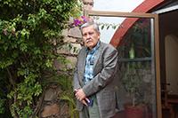 Doctor Everardo López Romero, investigador del Departamento de Biología de la UG y miembro de la Academia Mexicana de Ciencias, ha dedicado cuatro décadas a buscar moléculas o proteínas antigénicas que puedan servir como un blanco para el diseño de drogas antimicrobianas.