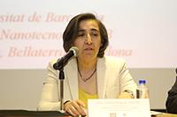 La investigadora Cecilia Noguez Garrido en representación del director del Instituto de Física, Manuel Torres Labansat, en la ceremonia de ingreso de la doctora Aurora Hernández Machado a la AMC.
