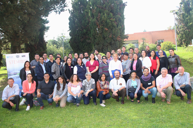 articipantes del curso-taller intensivo de tres días llamado STEM Ambassador Professional Training, que se realizó del 19 al 21 de septiembre en las instalaciones de la AMC.