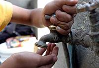 Ante los cortes de agua que se avecinan, es propicio reflexionar sobre el esfuerzo y costo que se realiza para contar con agua potable todos los días y exigir a las autoridades que implementen de manera progresiva un sistema más sustentable que el que se tiene hoy en día, consideró Manuel Perló Cohen, del Instituto de Investigaciones Sociales e integrante de la Academia Mexicana de Ciencias (AMC).