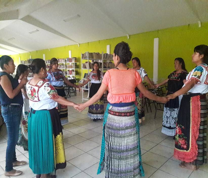 Especialistas de la Facultad de Psicología de la Universidad Michoacana de San Nicolás de Hidalgo realizan talleres en los municipios de Áporo, Cuitzeo, Charo, Morelia, Panindícuaro, Paracho, Pátzcuaro, entre otros.