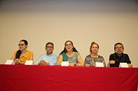 Inauguraron la Olimpiada Mexicana de Historia algunos de los integrantes del comité académico del certamen, los investigadores Andrea Rodríguez Tapia (Colmex), Erick Velásquez García (IIE-UNAM), Valeria Sánchez Michel (CIDE), Clementina Battcock (INAH) e Iván Escamilla González (IIH-UNAM).