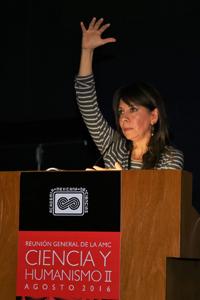 La doctora Ligia Pérez Cruz, del Instituto de Geofísica de la UNAM, participó como ponente en el simposio de geociencias de la Reunión General de la Academia Mexicana de Ciencias, Ciencia y Humanismo II.