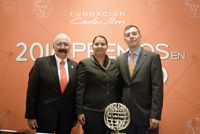El doctor Rafael Lazcano Ascencio, investigador del Instituto Nacional de Salud Pública; Adriana Gómez, directora general de TennSmart; y Ricardo Mújica González, director ejecutivo de la Fundación Carlos Slim.