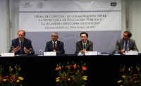 Los doctores Carlos Bosch, Salavador Jara, Jaime Urrutia y Mario Chávez, durante la firma de Convenio de Colaboración entre la Secretaría de Educación Pública y la Academia Mexicana de Ciencias.