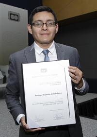 El doctor Rodrigo de la O Torres obtuvo uno de los Premios de la Academia a mejores tesis de doctorado en Ciencias Sociales y Humanidades 2015.