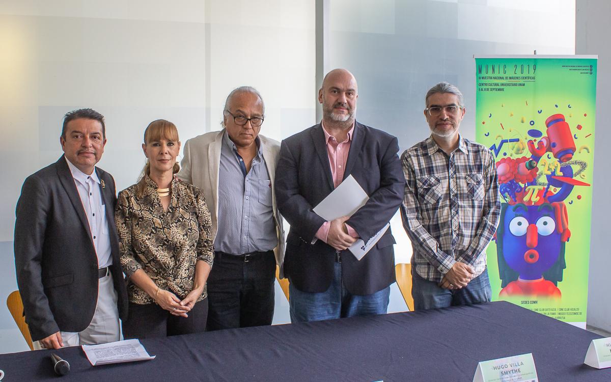 Alejandro Alonso, Roxana Eisenmann, Cristián Calónico, Hugo Villa Smythe y Hugo Félix Mercado, anunciaron la IV edición de la Muestra Nacional de Imágenes Científicas.