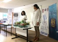 """El grupo """"Niñas con ciencia"""" expuso  la química del agua, el ciclo del agua y la problemática que existe, desde su perspectiva, alrededor del agua; además propusieron diferentes medidas para contribuir a la solución del problema."""